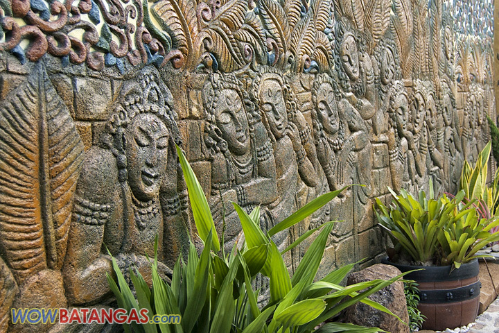 more wall carvings