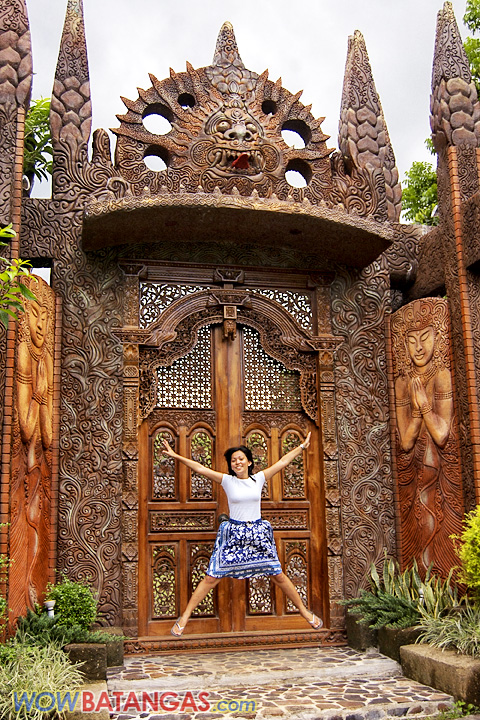 the huge Balinese gate going to Pavilion Patricia