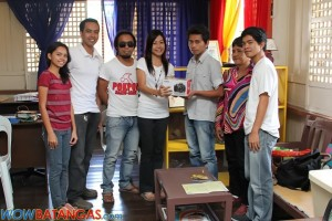 WOWBatangas Team handed Kenly his Canon 1100D