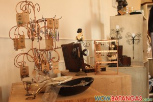 accessories for sale at SATC