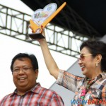 Mayor Nas Ona of Calaca and Governor Vilma Santos-Recto
