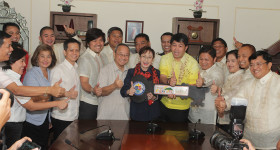 Picture taking with Gov Vi and Taal officials